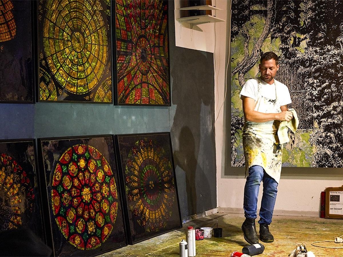 Der Maler Jan Davidoff im Atelier