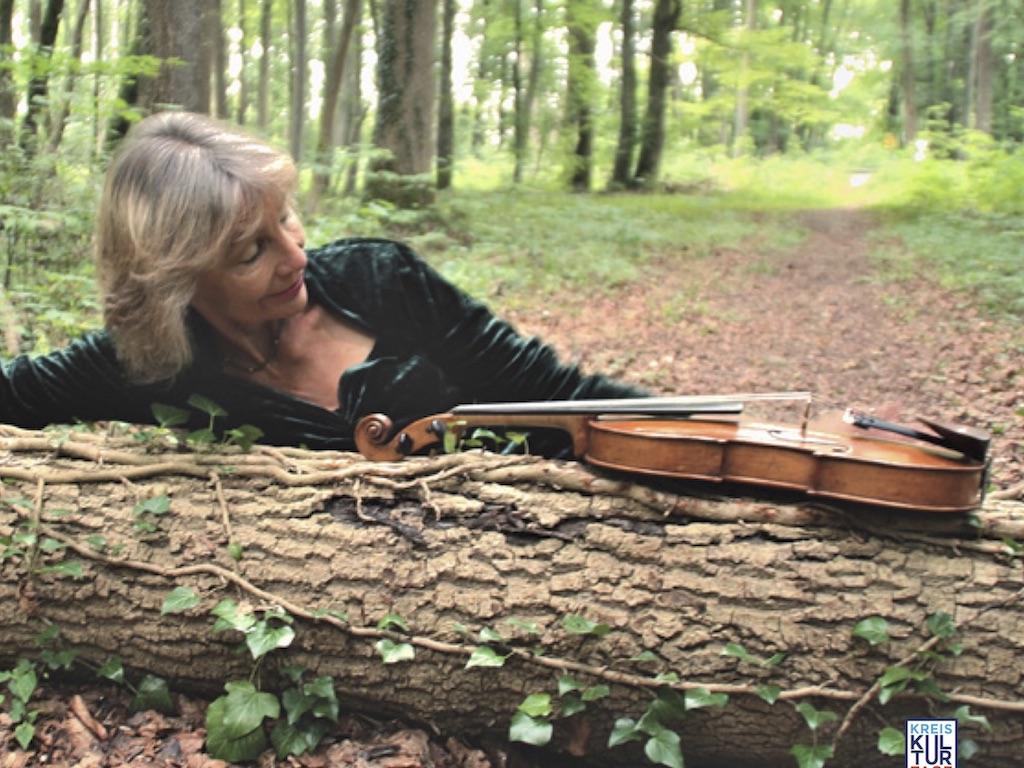 Die Violinistin Francesca Rappay
